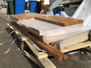 Lieferung der Holzstufen