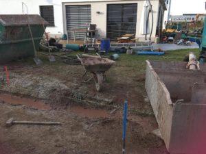 Ehemals Rasen, jetzt wieder Baustelle